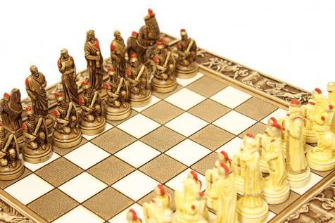 CERAMIC CHESS BOARD TROJAN WAR